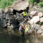 El alhama es de difícil acceso, pero para nuestros voluntarios no hay nada imposible.