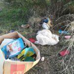 Esto es lo que mas nos disgusta. Ya nos gustaría saber quien deja estos residuos abandonados en el río para contarle un par de cositas..