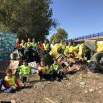 Increible la cantidad de residuos que hemos podido retirar del río en una sola mañana y con unas pocas manos. ¿Os imagináis lo que podríamos hacer si fueramos mas...?