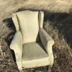 Encontramos este sillón... puede venirnos bien para echarnos una siesta después de almorzar...