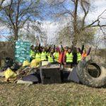 El primer grupo de voluntarios recogió toda esta basura