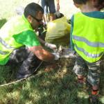 Para facilitar el trabajo tuvimos que izar algunos residuos y bolsas pesadas con cuerdas